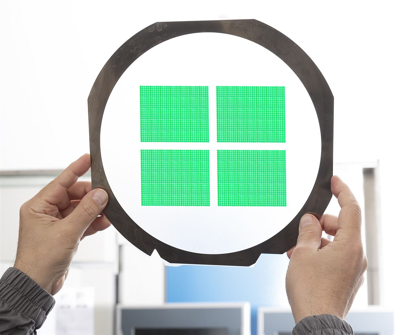 Small optical filters without compromising spectral quality