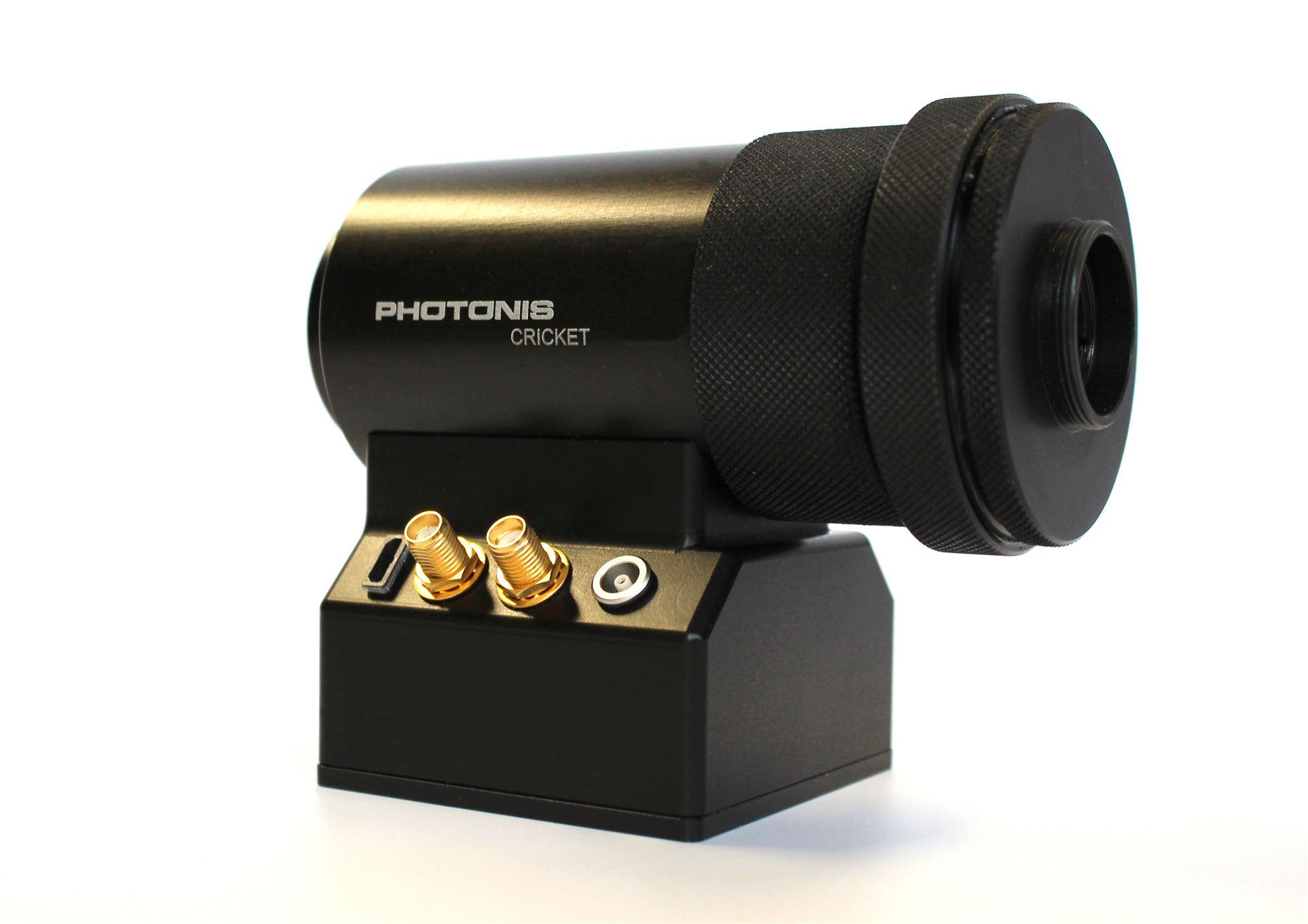 Cricket: A lens coupling camera attachment