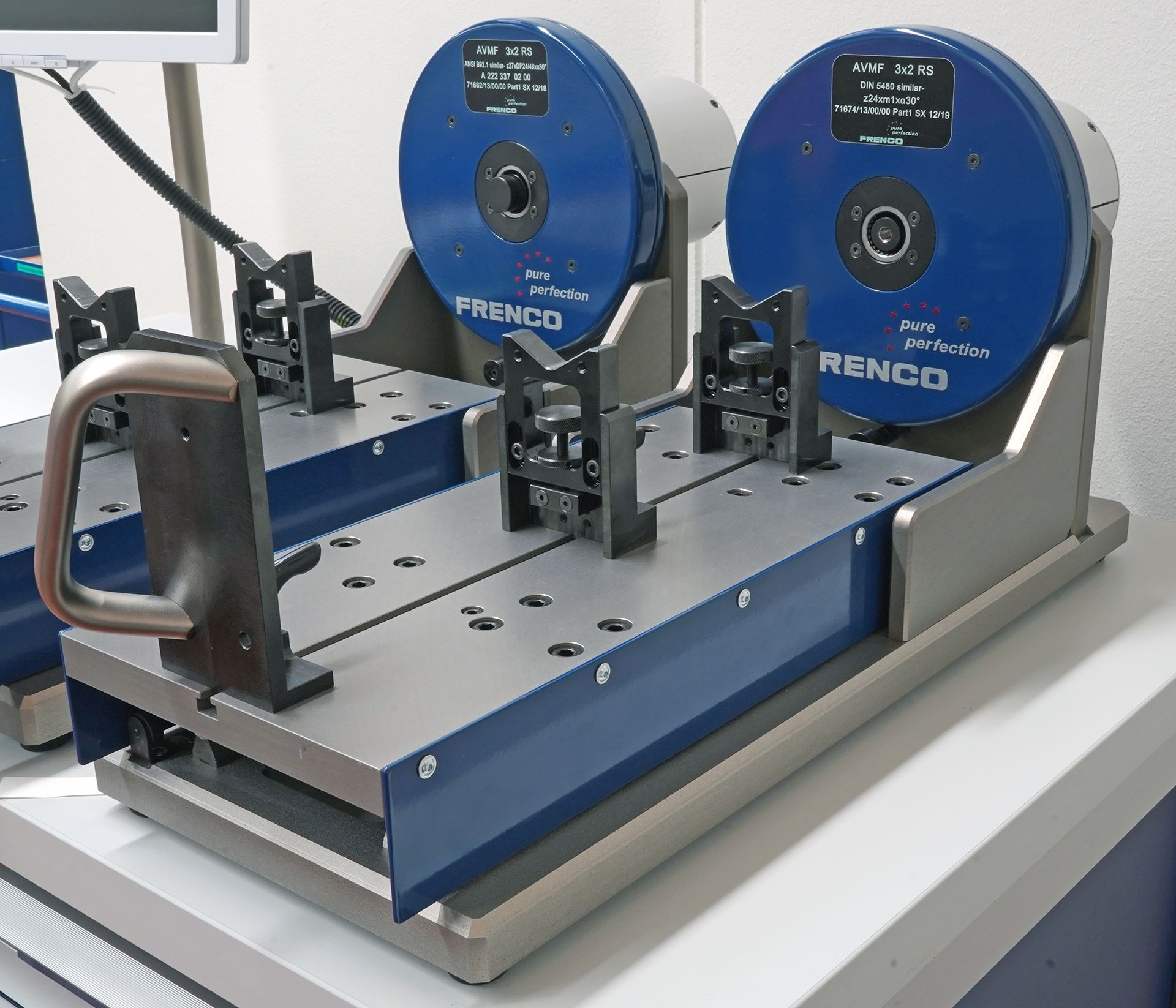 FRENCO Size over two balls measurement with horizontal sliding bench AVM 3x2