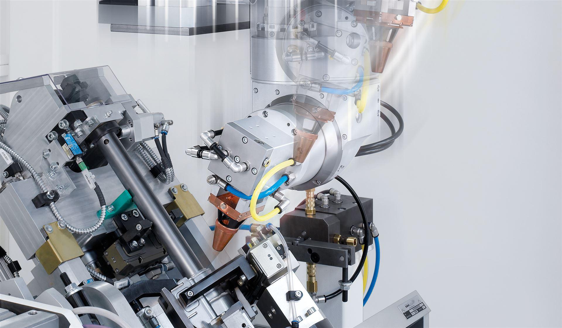 LWC: Multi-Achsen-Laserschweißzellen mit intelligenten Werkzeugkonzepten