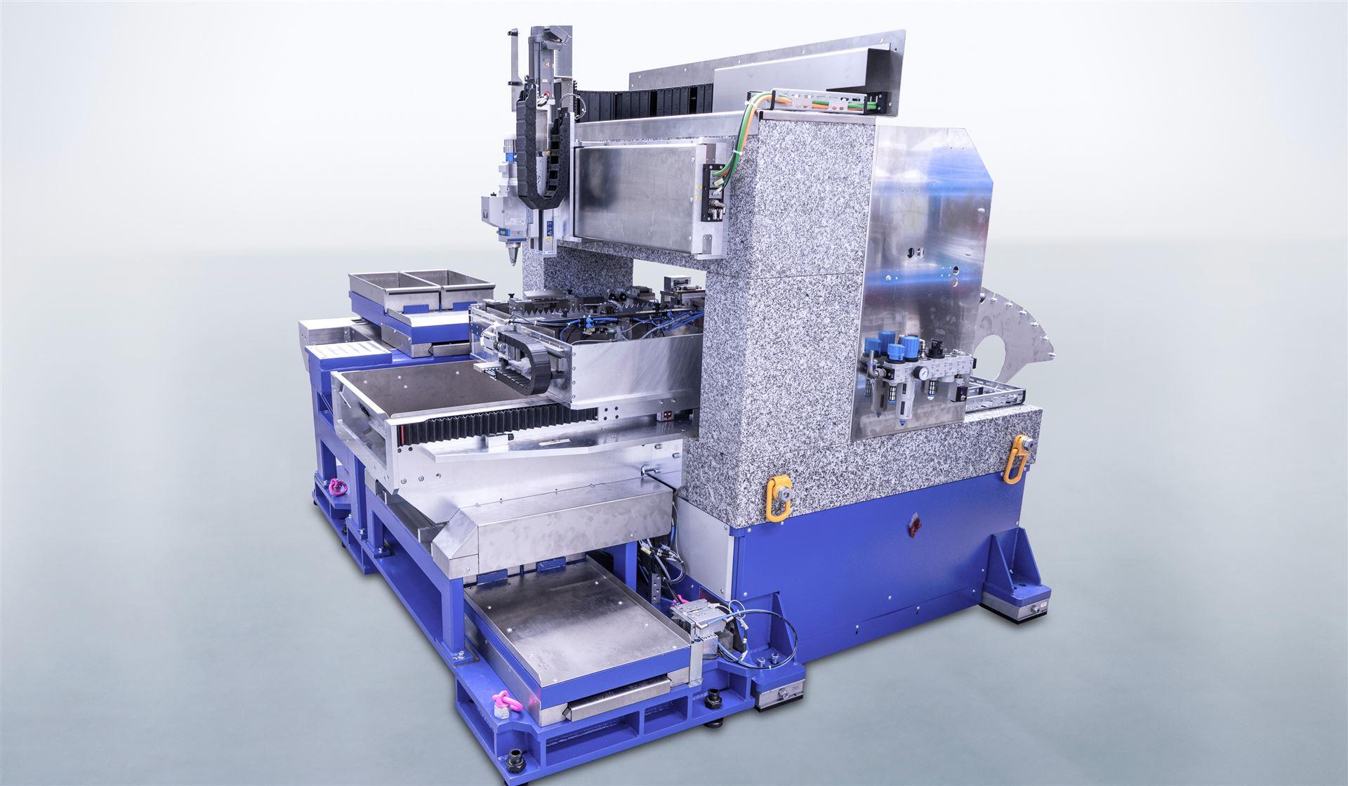 LCC: Laserschneidzelle für hochdynamische 2D- und 2½D-Bearbeitung