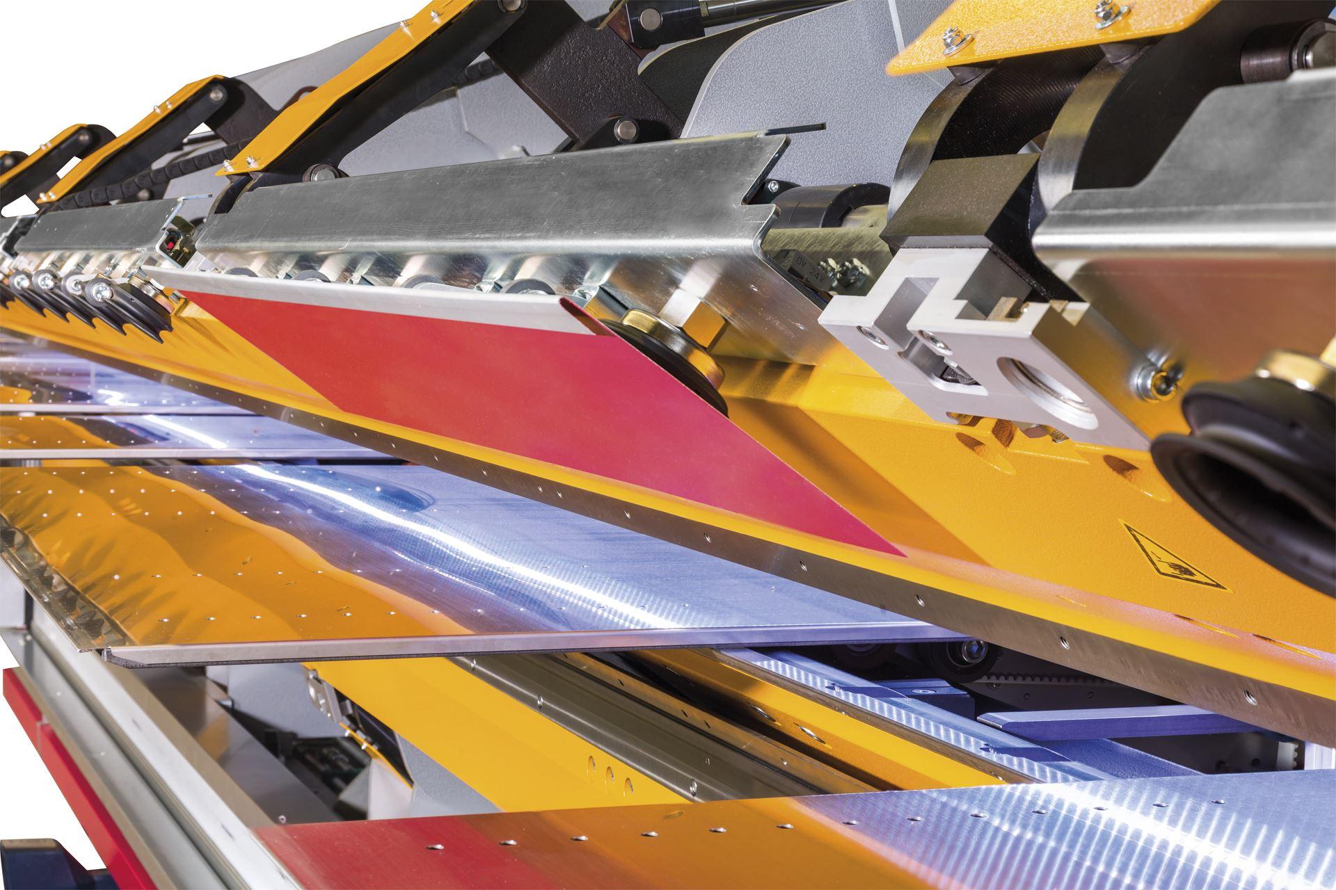Die automatische Blechwende-Einheit sorgt für eine signifikante Reduzierung des Blechteilehandlings