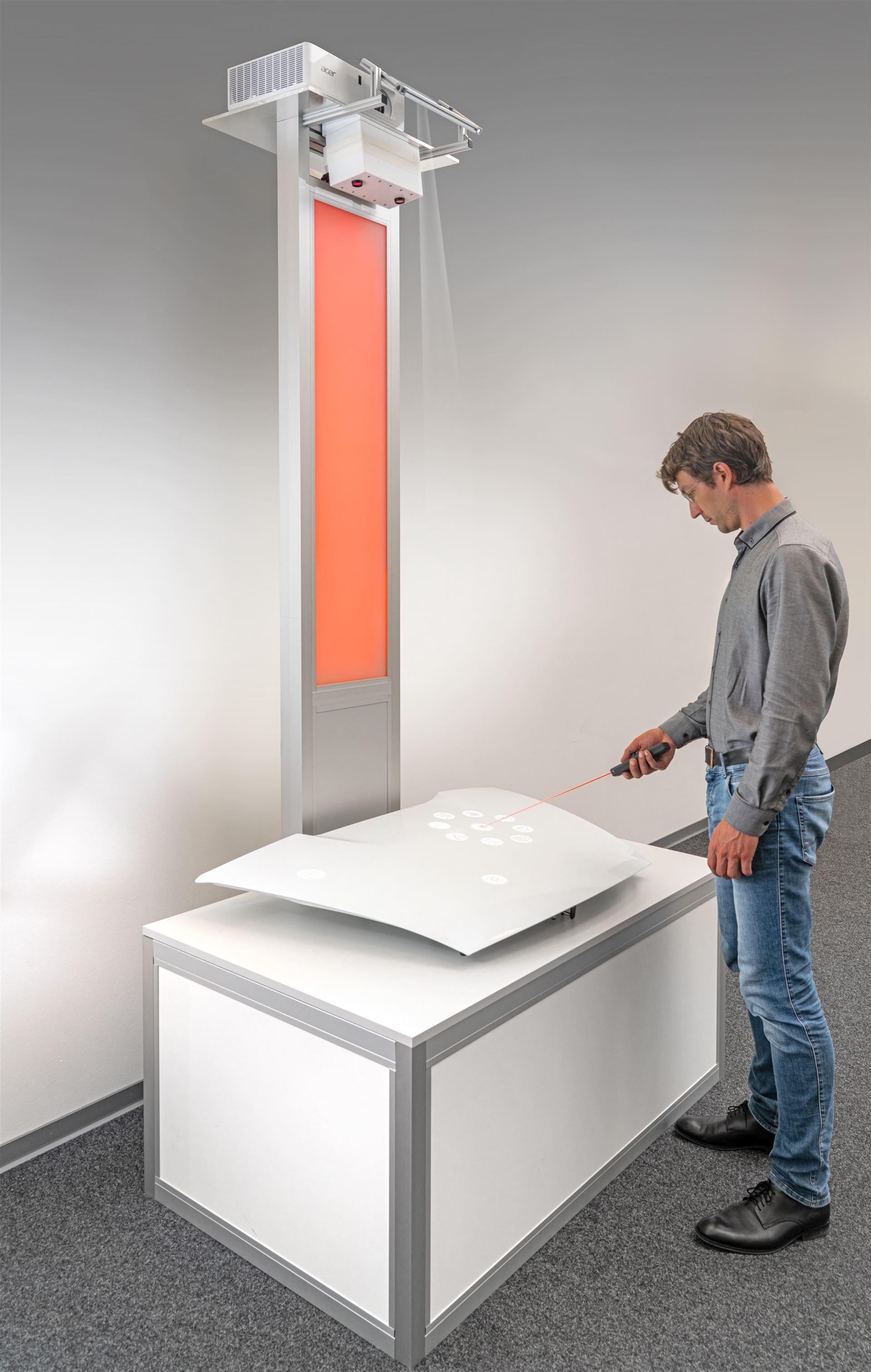 Fehlermarkierung auf einem Bauteil mit Laserpointer